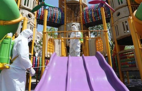 Parklar, Çocuklar İçin Dezenfekte Ediliyor