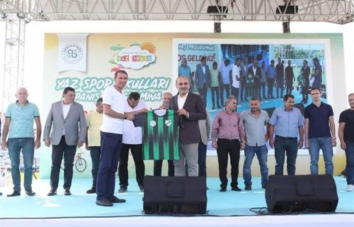 Arnavutköy'deki 10 Spor Kulübüne Malzeme Yardımı Yapıldı