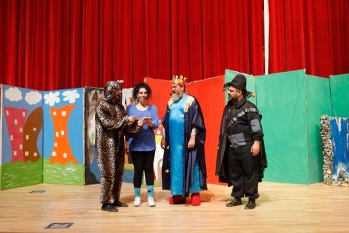 Oyuncaklar Diyarı Adlı Tiyatro Seyirci ile Buluştu